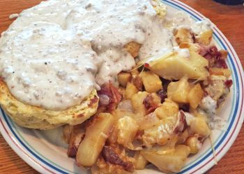 Stack'em High, Minnie's Sausage Gravy & Biscuits